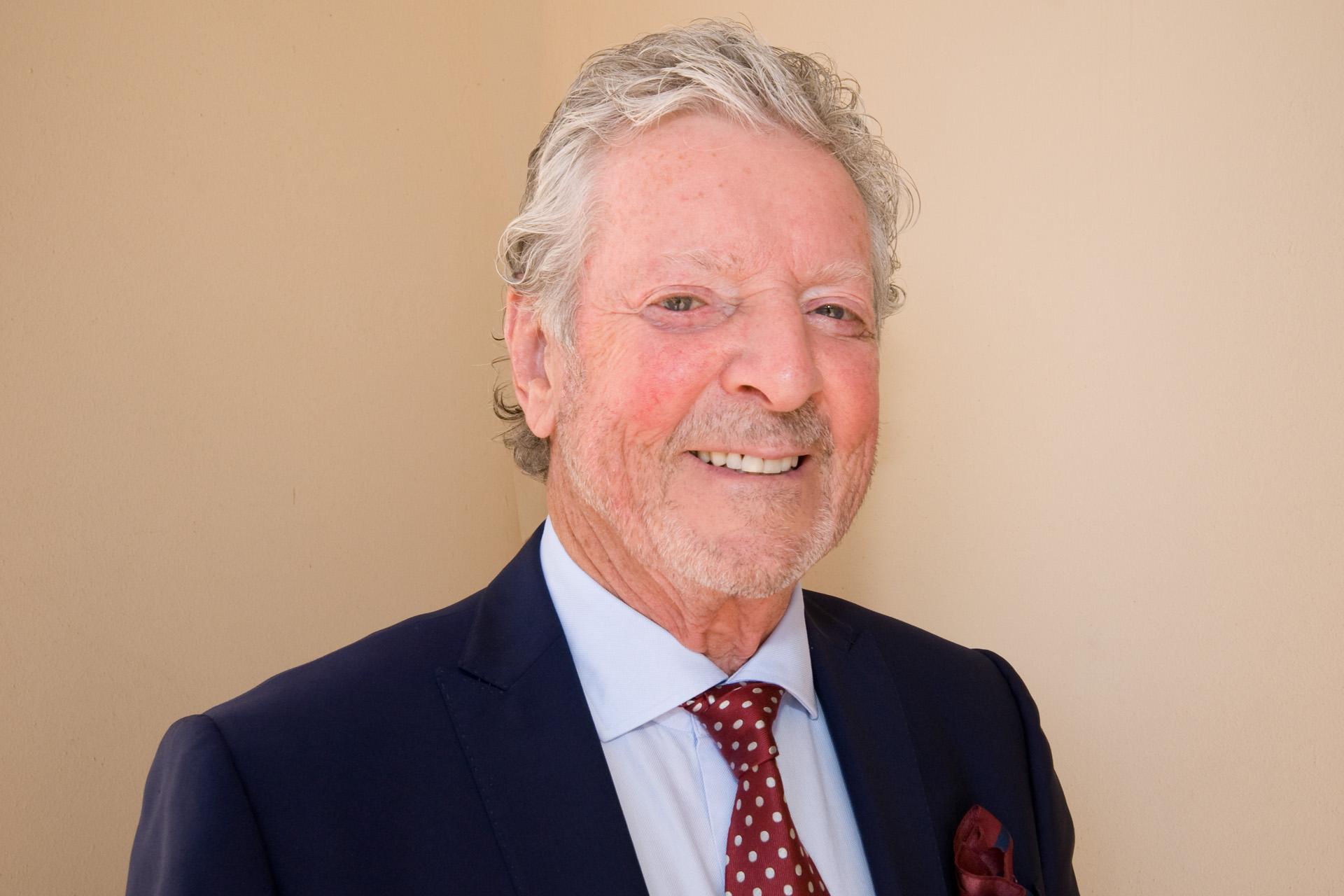 Peter J Burns
